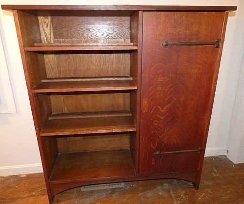 GUSTAV STICKLEY OAK #722 BOOKCASE CABINET
