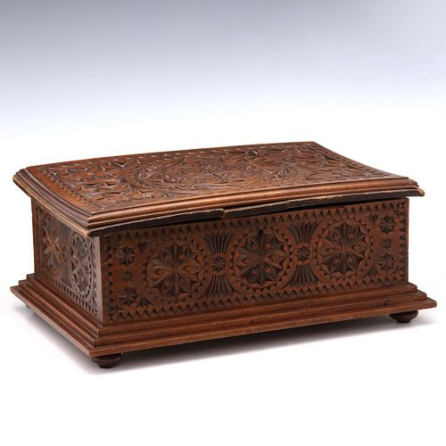 A 19TH C. CONTINENTAL BOX AND ROBYN NICHOLS JEWELRY