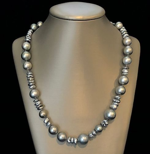 Fine South Sea Grey Tahitian and Keshi Pearl Necklace