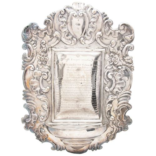 """LECTERN MEXICO, 18TH CENTURY Silver Embossed structure with decoration of scrolls and acanthus 15.7 x 11.8"""" (40 x 30 cm) 940 g"""