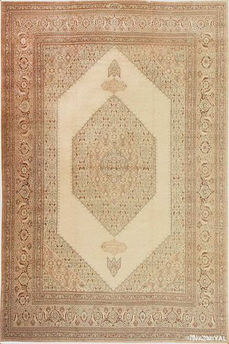 ANTIQUE PERSIAN TABRIZ RUG. 19 ft 7 in x 12 ft 9 in (5.97 m x 3.89 m)