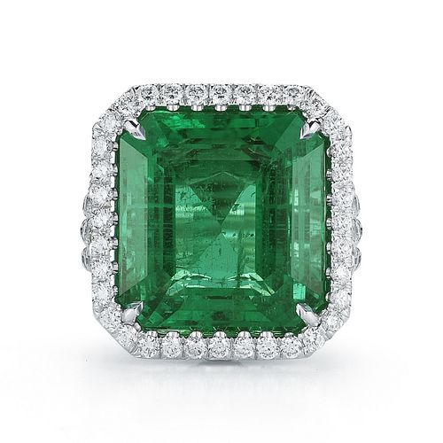 17.39ct Emerald And 2.39ct Diamond Ring