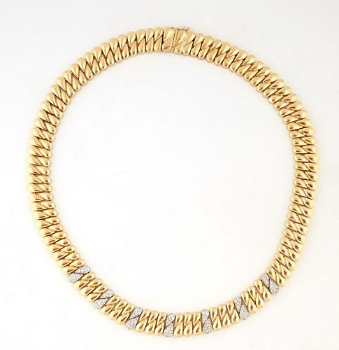 18K Yellow and White Gold Necklace, by Jennie Perl, the flat flexible links with seven white gold central double teardrop diamond mounted links, the l
