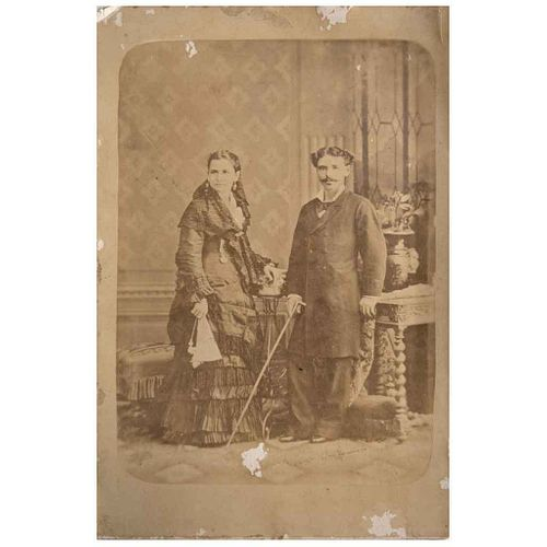 "UNIDENTIFIED PHOTOGRAPHER, Retrato de pareja, Unsigned, Cabinet, 6.4 x 4.3"" (16.5 x 11 cm)"