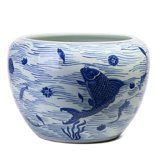 A CHINESE BLUE AND WHITE FISH BOWL
