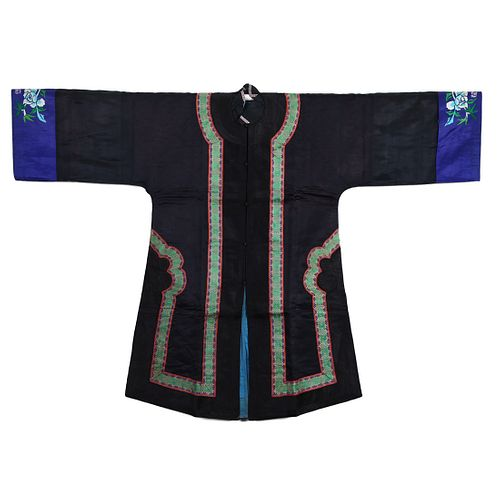 A CHINESE BLACK-GROUND EMBROIDERED LADY'S ROBE
