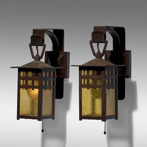 Gustav Stickley, Lanterns model 830 variant, pair