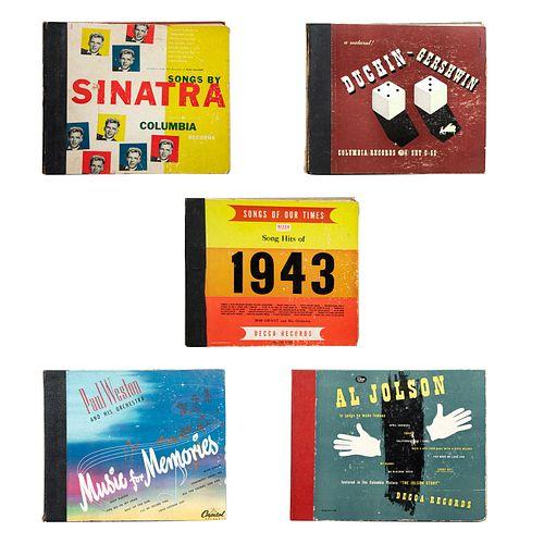 Lote de 5 álbumes de vinilos. Consta de: Songs By Sinatra. Columbia records. Paul Weston and his Orchestra. Otros.