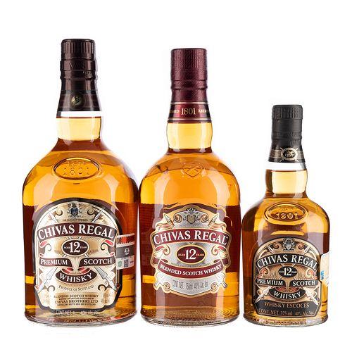 Chivas Regal. 12 años. Blended. Scotch whisky. Piezas: 3.