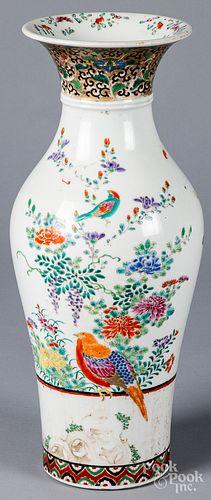 Chinese porcelain vase, 19th c.