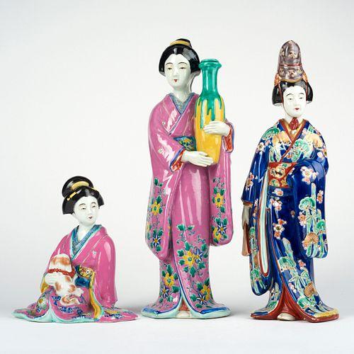 Grp: 3 Japanese Kutani Porcelain Geisha Figures