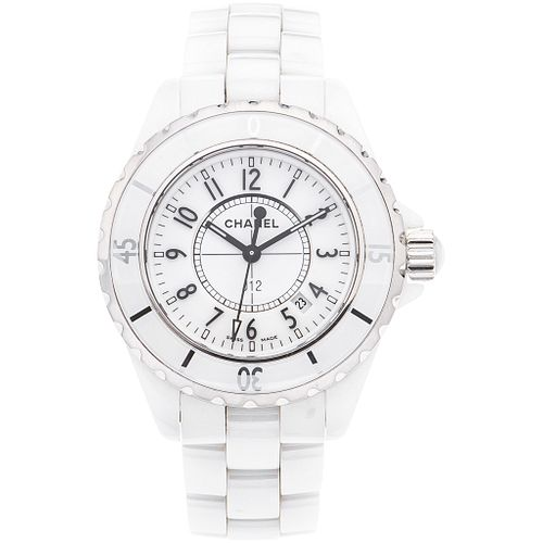 CHANEL J12 LADY WATCH IN CERAMIC AND STEEL Movement: quartz