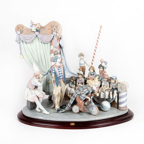 Circus Time 1001758 LTD - Lladro Porcelain Figure with Base