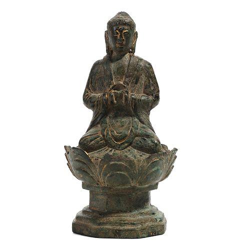 A BRONZE FIGURE OF SEATED SHAKYAMUNI