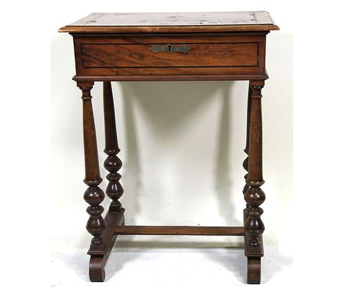 19th CENTURY WILLIAM AND MARY STYLE SEWING TABLE