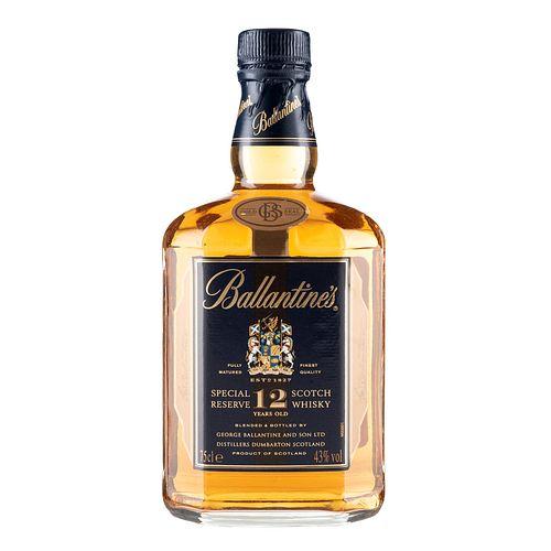 Ballantine's. 12 años. Blended. Scotch whisky. En presentación de 750 ml.