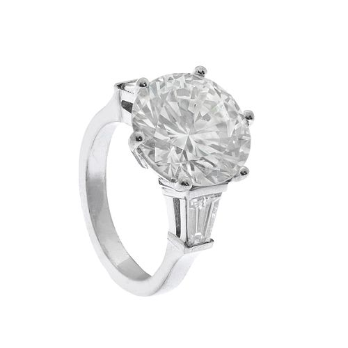 Solitaire ring in 18 kts. white gold with a diamond