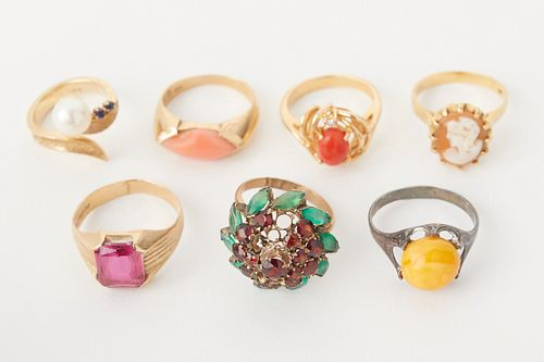 Grp: 7 Gold and Silver Women's Rings
