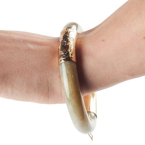 14K Gold Green Jade Bracelet