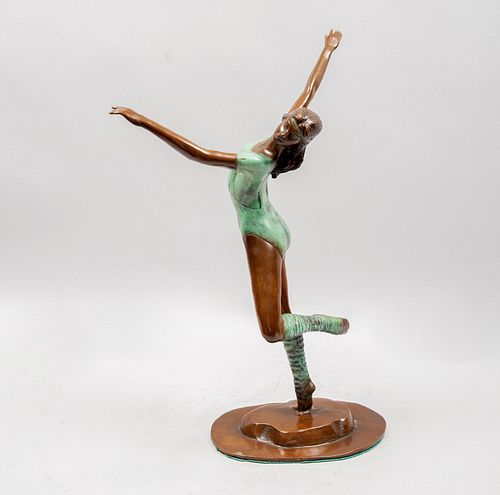 F. CAMACHO. Bailarina. Firmado. Escultura en bronce 08 /25. 53 cm de altura.  Detalles de conservación.