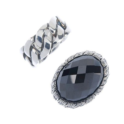 THOMAS SABO - two rings and three pendants. To include a band ring designed as a curb-link chain, a