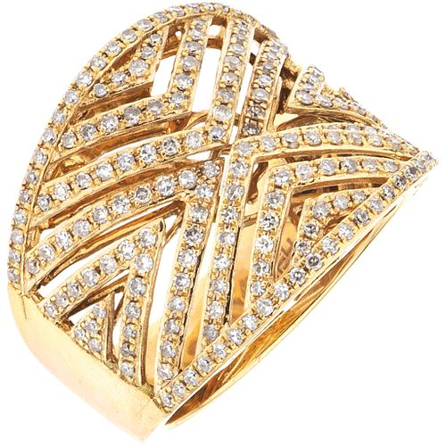 RING WITH DIAMONDS IN 14K YELLOW GOLD, EFFY 8x8 cut diamonds ~1.0 ct. Weight: 9.0 g. Size: 7 ¼