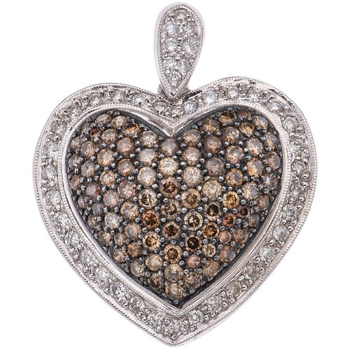 PENDANT WITH DIAMONDS IN 18K WHITE GOLD Brilliant cut diamonds ~2.70 ct. Weight: 12.2 g