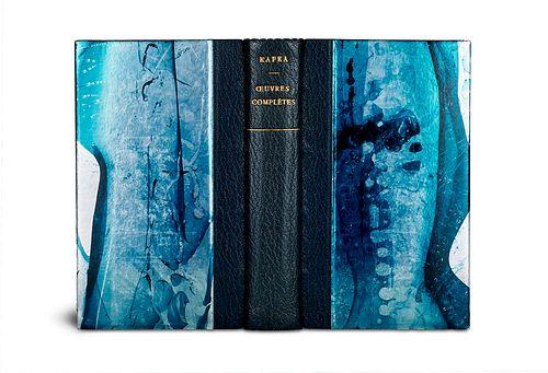 Kafka, Franz Oeuvres Complètes. II. (= Bibliothque de la Pléiade). Paris, Gallimard, 1997. XIII., 1326 S., 1 Bl. Halbmaroquinleder mit handgemachter B
