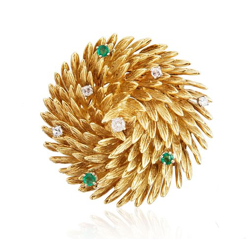 18KT GOLD BROOCH WITH DIAMOND AND EMERALDS