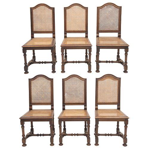 LOTE DE 6 SILLAS  FRANCIA, SXX. Estilo ENRIQUE II. Elaboradas en madera de nogal. Respaldos y asientos con bejuco entretejido. | LOT OF 6 CHAIRS  FRAN