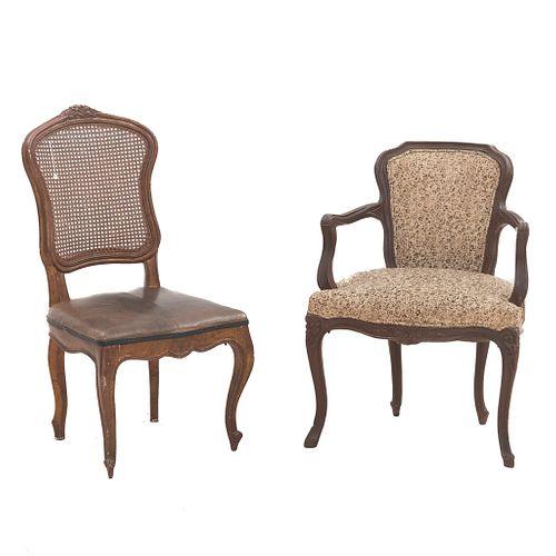 Silla y sillón. SXX. Elaboradas en madera una con bejuco tejido y otra con tapicería textil.