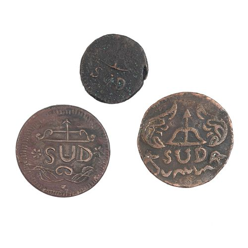 """Morelos y Pavón, José María. 2, 4 y 8 Reales """"SUD"""". México, 1812. Monedas en cobre. Anverso: Monograma de Morelos."""