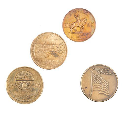 Lote de 4 medallas. Elaboradas en bronce. Consta de: 5 de mayo, Rendición de San Juan de Ulúa, marina de Estados Unidos y otro.