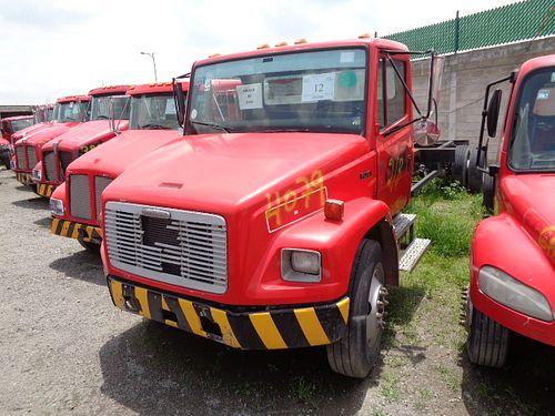 Camión Freightliner FL70 2002