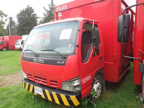Camión Isuzu ELF 450 2008