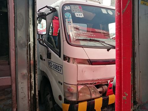 Camión Hino 300/816 2011