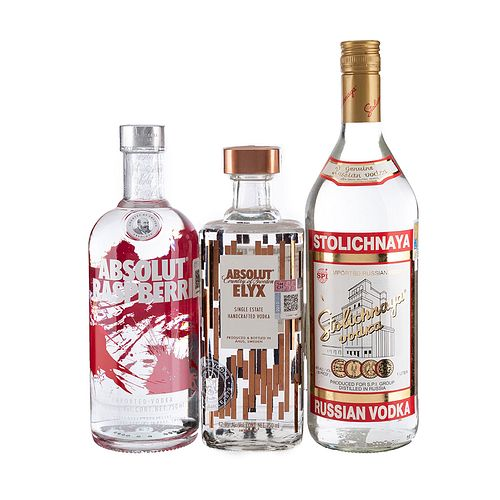 Vodka. a) Absolut. Elyx y Raspberri. b) Stolichnaya. Original. Total de piezas: 3.