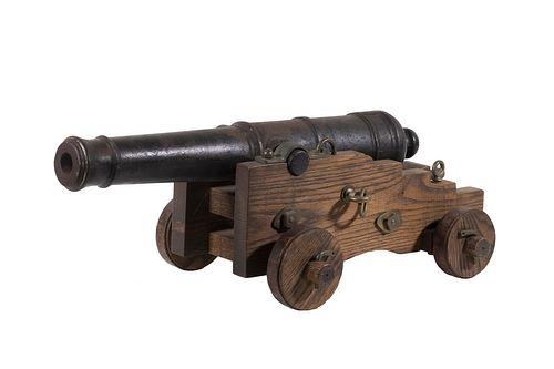 CAST IRON NAVAL GUN ON CANNONADE