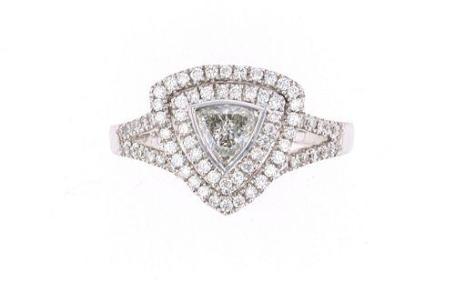 Excellent Trillion Diamond & 18k White Gold Ring
