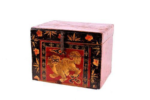 Chinese Lacquered Gaurdian Foo Dog Storage Box