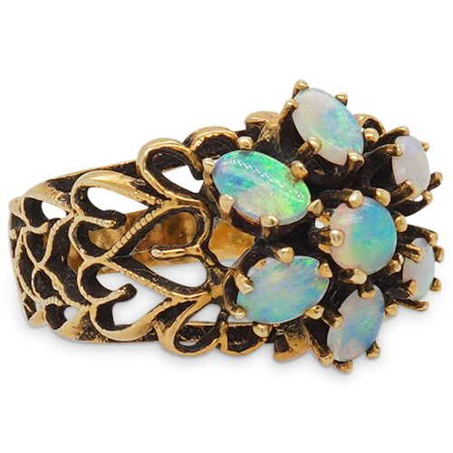 Vintage 14K Gold And Opal Ladies Ring