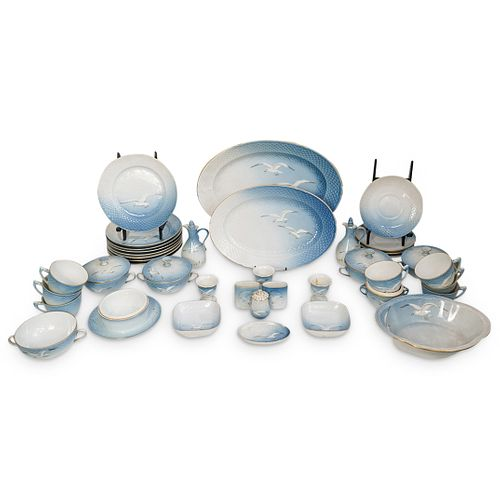 """(41 Pc) B&G Kjobenhavn """"Seagull"""" Porcelain Grouping Set"""