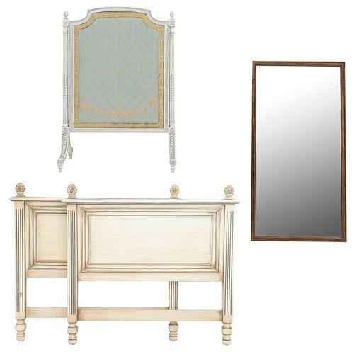 Lote mixto. SXX. Talla en madera. Consta de: Cama individual, pantalla para chimenea y espejo. 115 x 59 x 3 cm (mayor)
