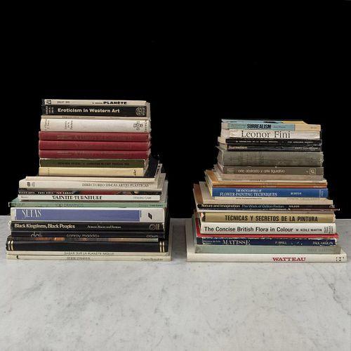 Caja de libros, temas varios (Arte, cuentos, flores). Algunos títulos: -Revista. Maestros de la Pintura.  -Técnicas  y Secretos. Pzs:47