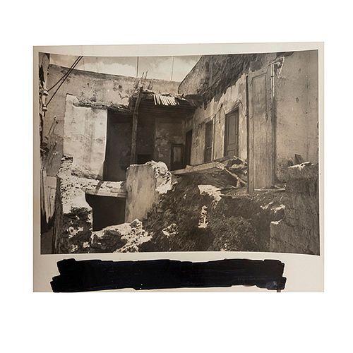 Casas de Guanajuato.  Plata sobre gelatina, 13.5 x 10 cm. Calles, callejones, fachadas, portones, balcones y ruinas. Pzs: 65.