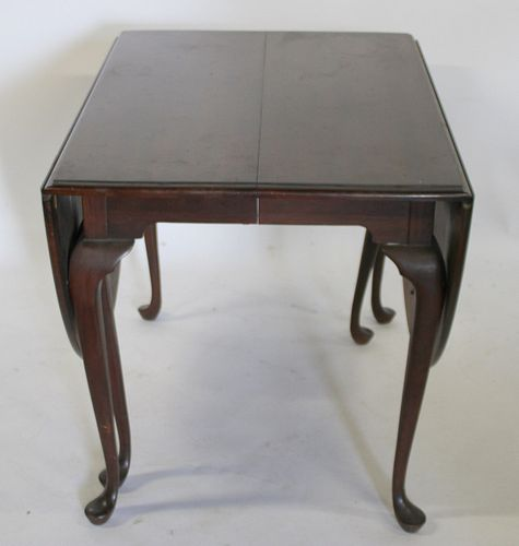 Antique Mahogany Queen Anne Drop Leaf Table.