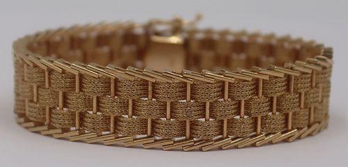 JEWELRY. Vintage 14kt Gold Articulated Bracelet.