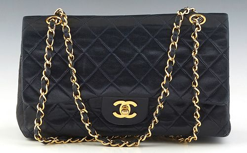 Chanel Classic 26 Double Flap Shoulder Bag, in dark blue quilted calf leather with gold hardware, opening to a maroon calf leather lined interior with