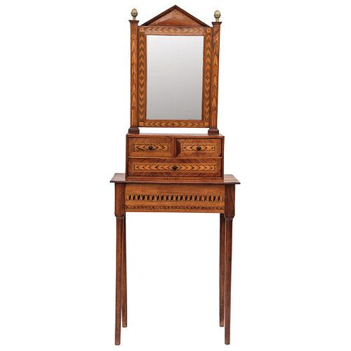 PAJE,PUEBLA,S.XIX Elaborado en marquetería poblana Consta de tres cajones y espejo,frontón triangular,remates en metal 160 x 61 x 30 cm | PAJE DESK, P