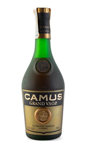 A bottle of Camus cognac. Grand V.S.O.P. Category: Cognac. Camus-Cognac ( France ). Level: C/D. 700 ml.